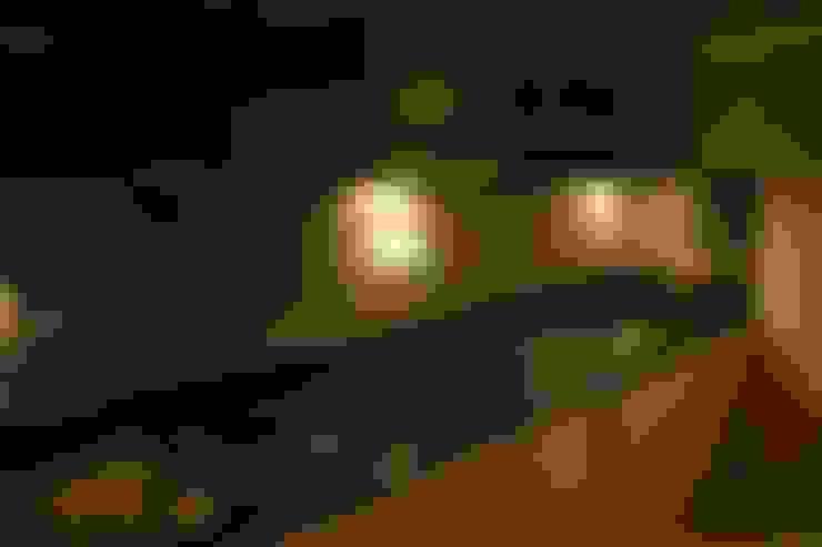 Mystic Moods,Pune:  Kitchen by H interior Design