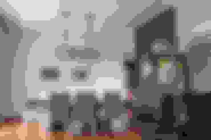 Salle à manger de style  par Kottagaris interior design consultant