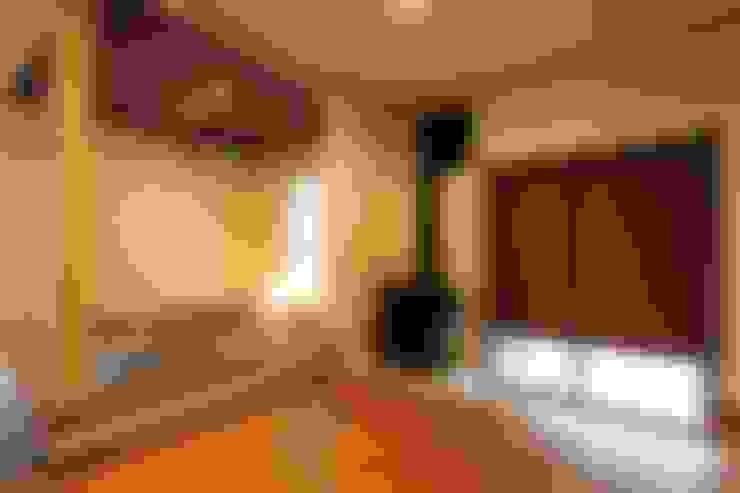 Anexos de estilo  por やまぐち建築設計室