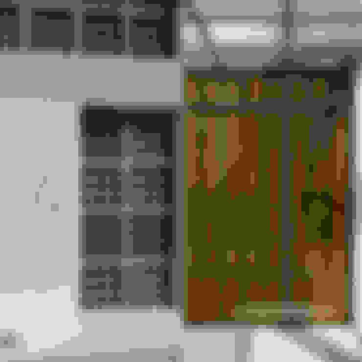 Doors by Ashari Architect
