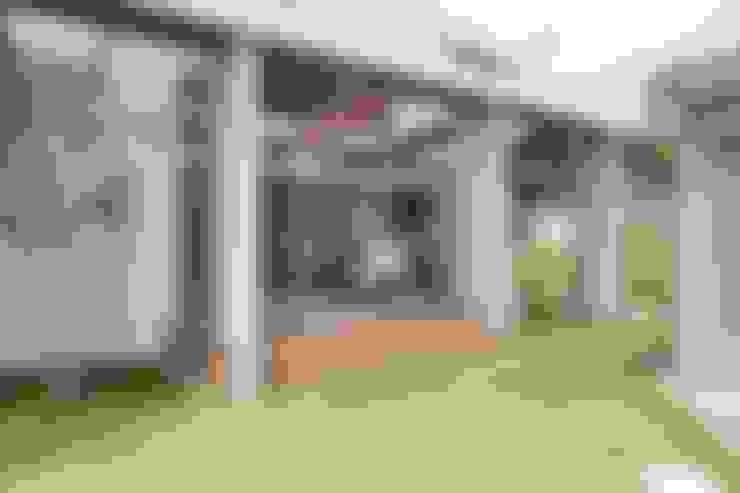 Rumah kayu by ALTS DESIGN OFFICE