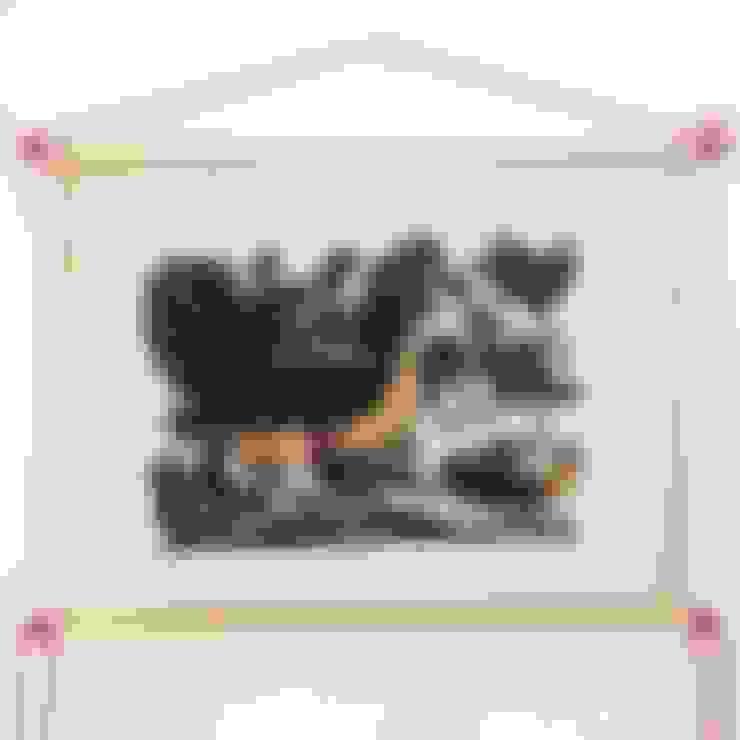 Gà đàn:  Nursery/kid's room by Tranh Đông Hồ