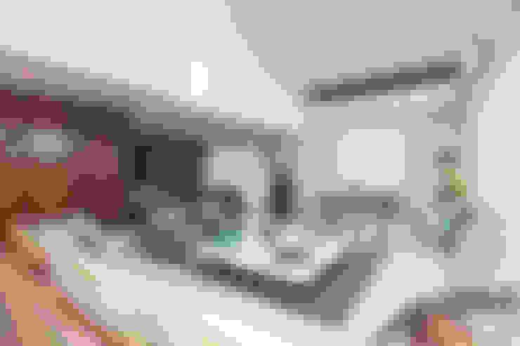 客廳 by Danielle Valente Arquitetura e Interiores