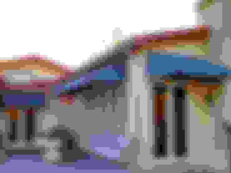 Canopy Kain Rumbe:  Balconies, verandas & terraces  by bintang canopy