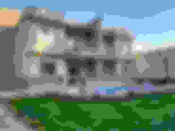 شاليهين توأم مع حديقة و حمام سباحة:  بركة مائية تنفيذ TRK Architecture