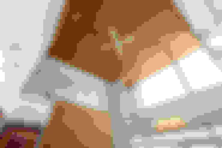 Cửa sổ by TEKTON   テクトン建築設計事務所