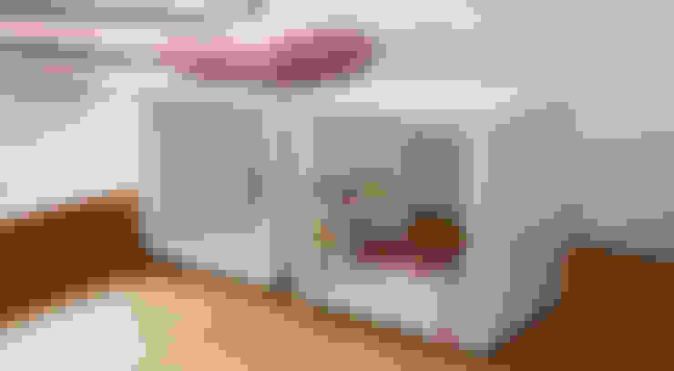 Living room by Regalraum UK