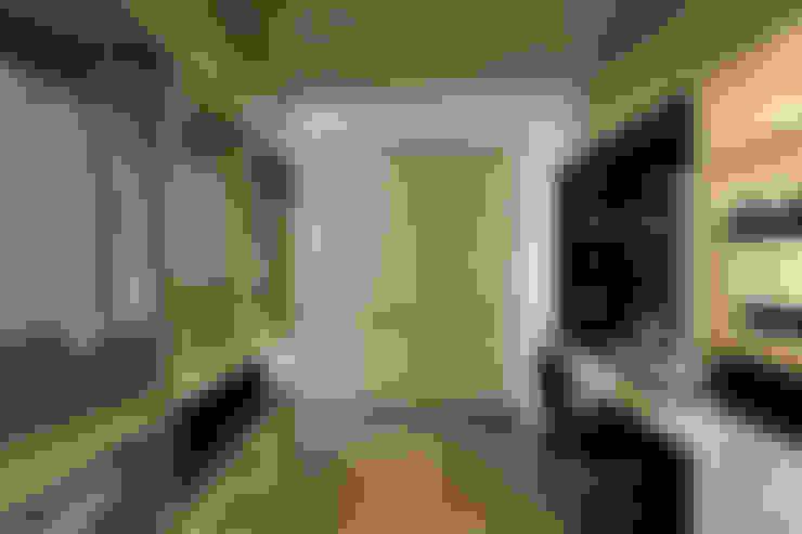 從容:  更衣室 by 楊允幀空間設計
