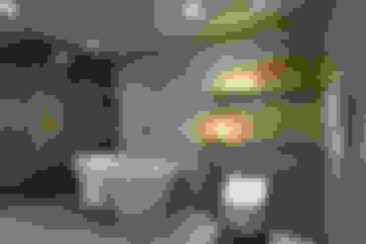 從容:  浴室 by 楊允幀空間設計