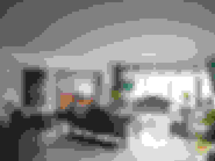 Living room by Öykü İç Mimarlık