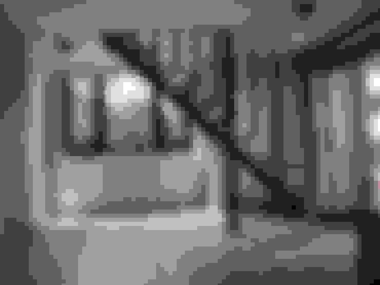 Livings de estilo  por 石方室內裝修有限公司