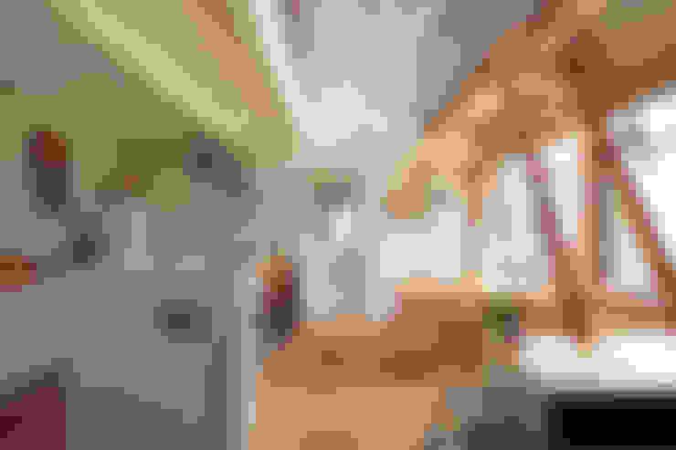 Dining room by こぢこぢ一級建築士事務所