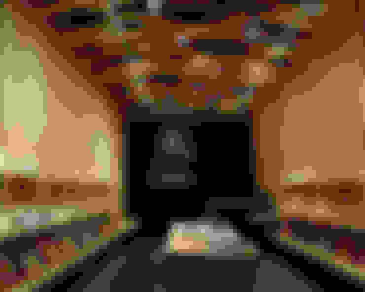 Espacios comerciales de estilo  por 稲山貴則 建築設計事務所