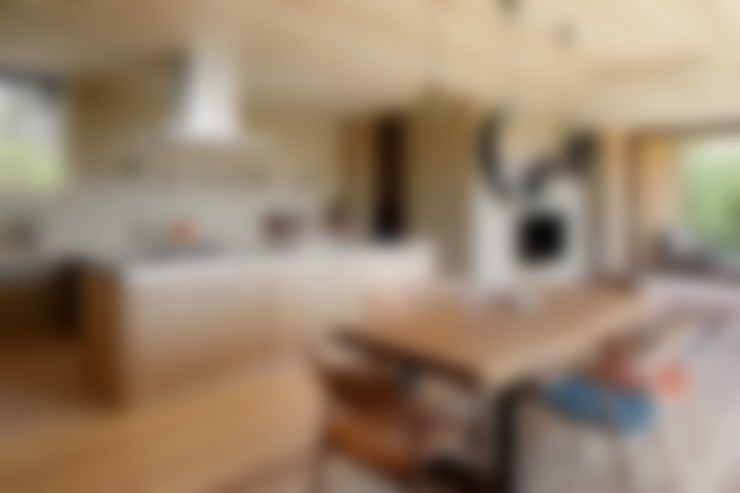 Kitchen by atelier137 ARCHITECTURAL DESIGN OFFICE