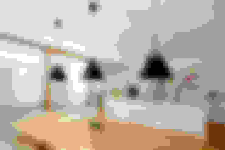 Dining room by PASCHINGER ARCHITEKTEN ZT KG