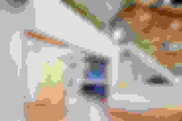 Salas de estilo  por (주)유타건축사사무소