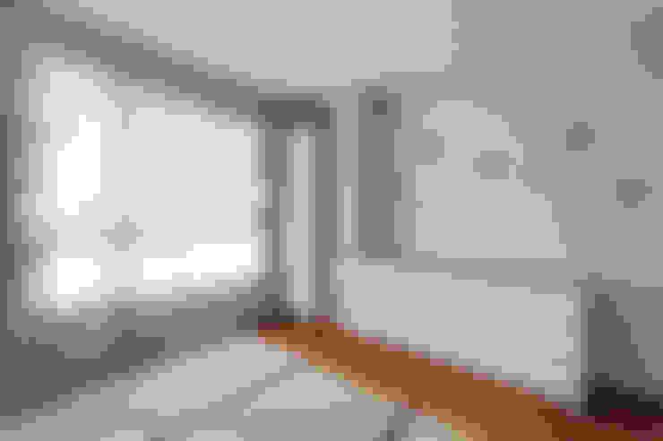 Habitaciones infantiles de estilo  por Hi+Design/Interior.Architecture. 寰邑空間設計