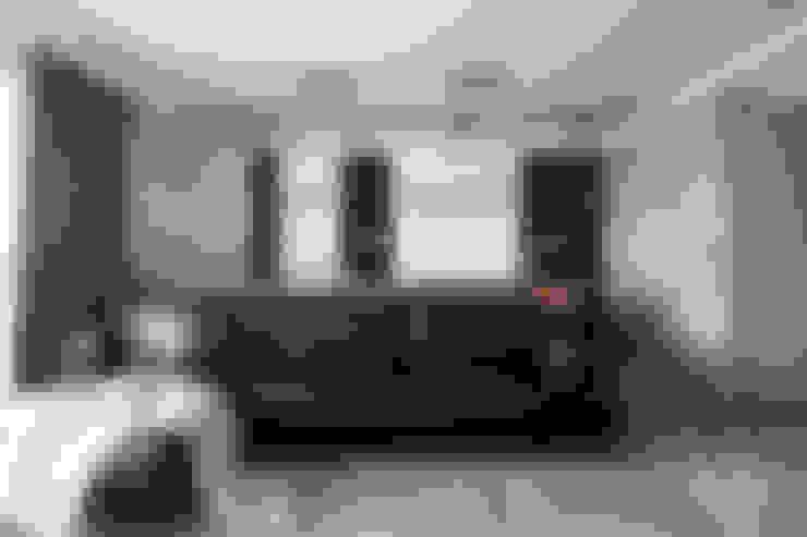 客廳書房區:  客廳 by 極簡室內設計 Simple Design Studio