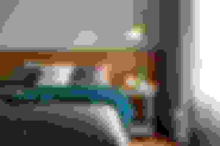 百玥空間設計 ─ 賦居映月 ─主臥室:  臥室 by 百玥空間設計