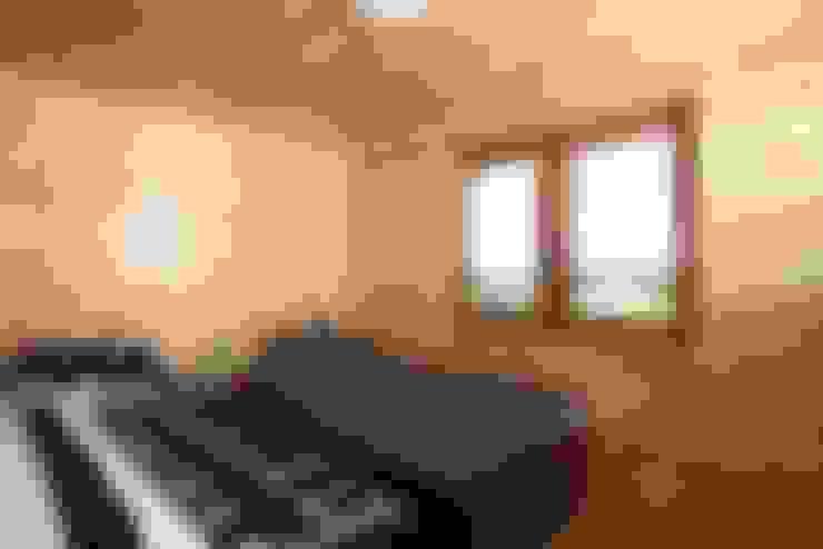 臥室 by DMK Budownictwo Dariusz Dziuba Sp. K., Mobilne Domki Letniskowe i Całoroczne