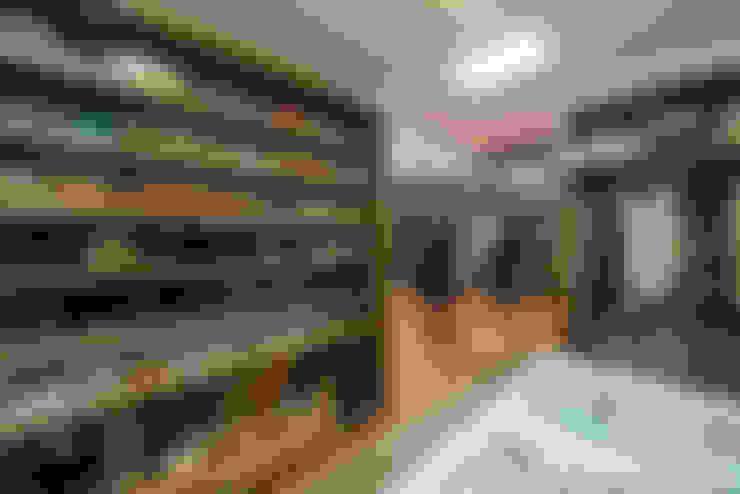Ankleidezimmer von Gracia Nano Studio