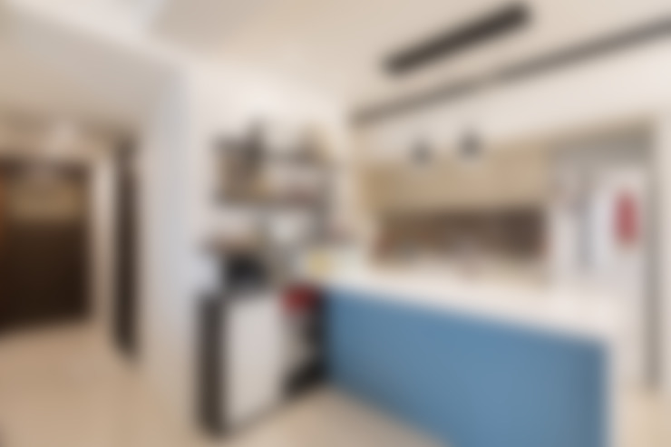 高雄馬公館:  廚房 by VH INTERIOR DESIGN