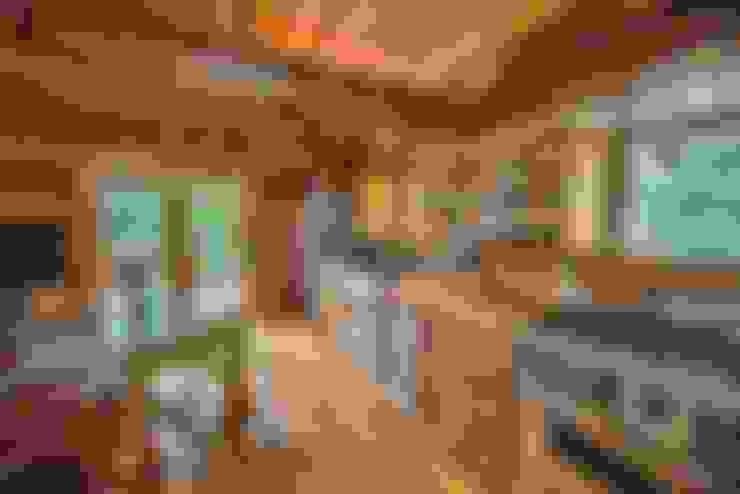 Rustikales Innenleben:  Küchenzeile von Tanja Mason Fotografie
