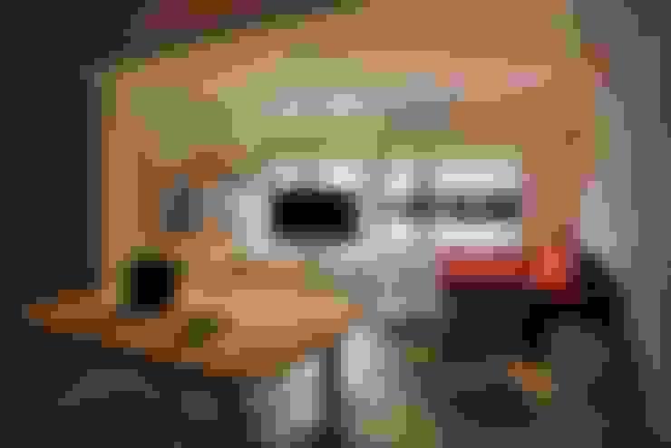【住宅設計】淡水伊東市 – 26坪美式Loft風格:  客廳 by 大觀創境空間設計事務所