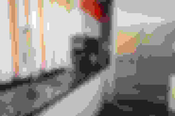 Tagaytay Southridge Estates:  Kitchen by TG Designing Corner