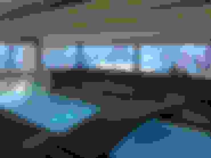 Piscina: Hoteles de estilo  por MSGARQ