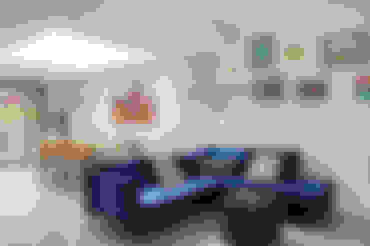Phòng khách by Model Projects Ltd