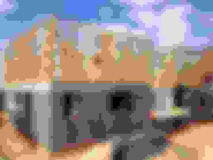 Estructura primer y segundo nivel: Casas unifamiliares de estilo  por Rocamadera Spa