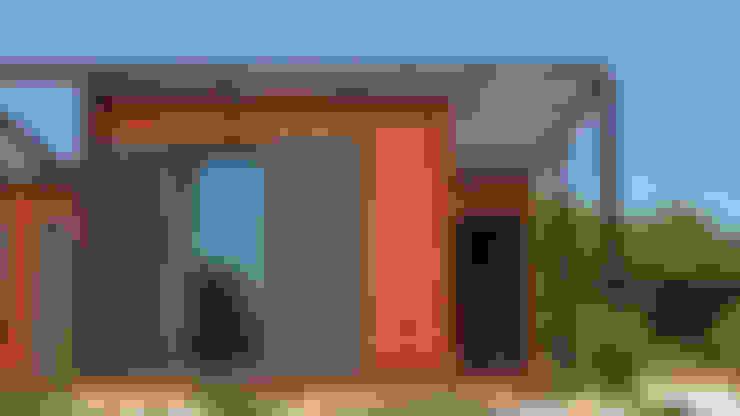 Rumah prefabrikasi by Discovercasa | Casas de Madeira & Modulares