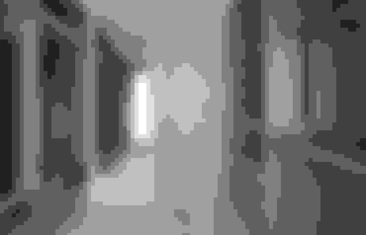 """""""回 - Back to Home"""":  更衣室 by 禾光室內裝修設計 ─ Her Guang Design"""