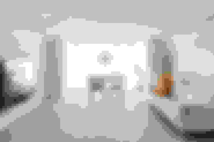 거실: 봄디자인의  거실