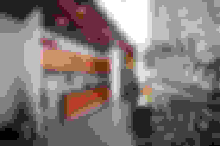 Ngôi Nhà Biến Đổi Bất Ngờ Sau Khi Được Cải Tạo Chỉ Với 350 Triệu:  Bếp xây sẵn by Công ty TNHH Xây Dựng TM – DV Song Phát