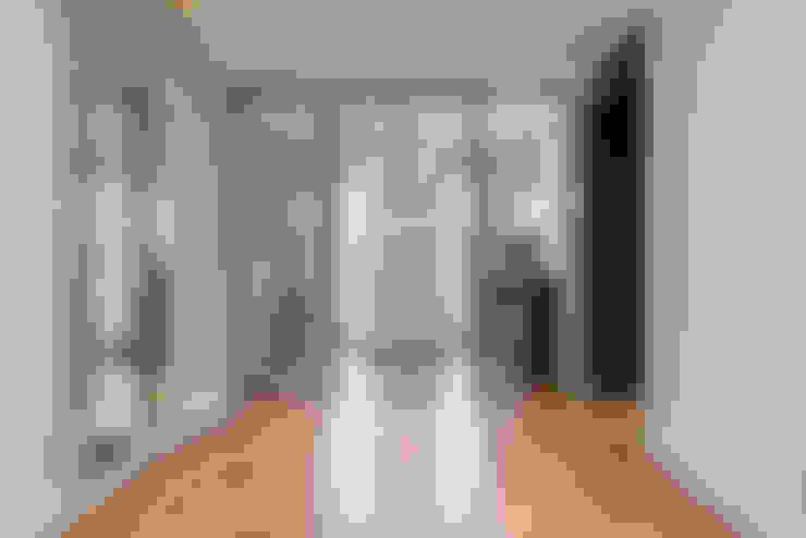 Corridor & hallway by Ohlde Interior Design
