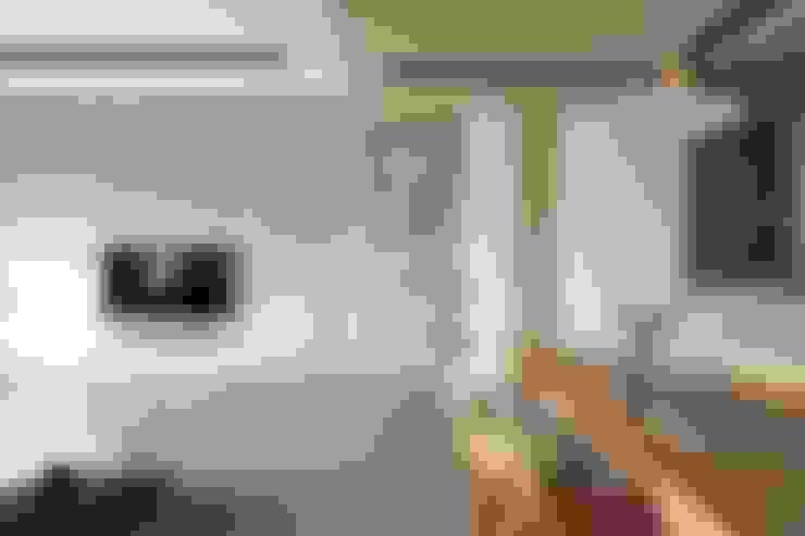 客廳設計:  客廳 by 極簡室內設計 Simple Design Studio