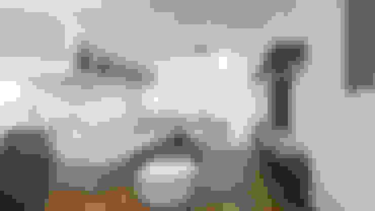 Living room by Estudio Allan Cornejo Arquitecto