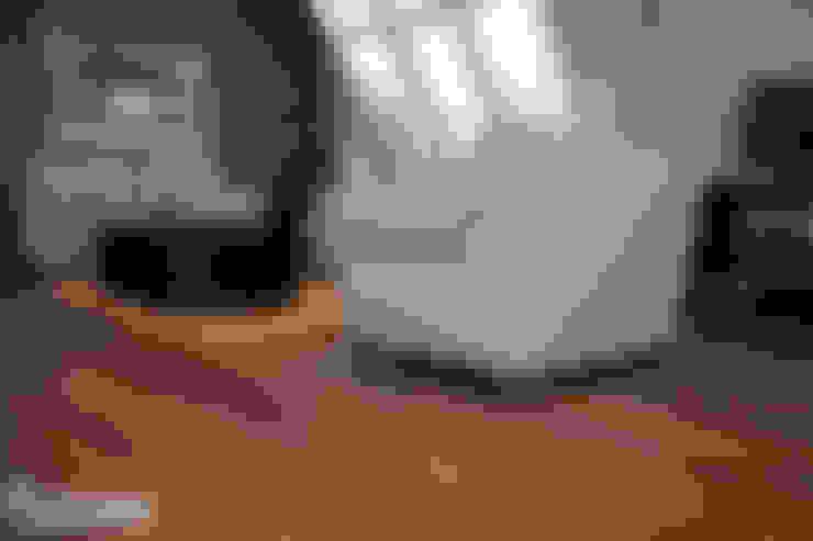 Oficinas y Tiendas de estilo  por Skyfloor