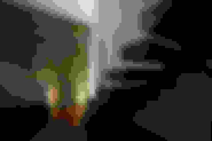 casa privata_2015: Scale in stile  di Studio di Segni