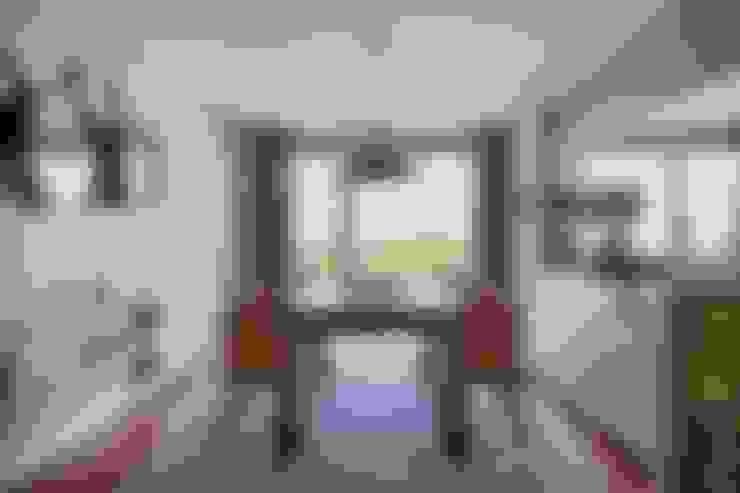 Corridor and hallway by SHI Studio, Sheila Moura Azevedo Interior Design
