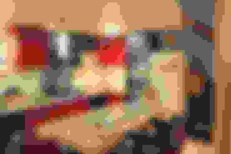 Mr. Siva Rangaswamy:  Kitchen by GREEN HAT STUDIO PVT LTD