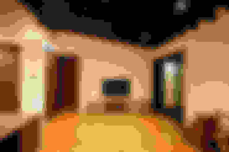 客廳 by H建築スタジオ