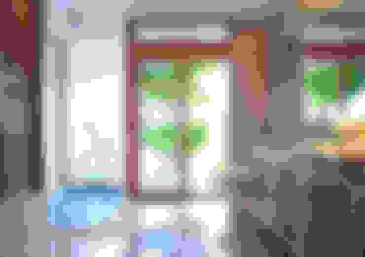 Độc Đáo Với Nhà Phố 3 Tầng Đẹp Có Thiết Kế Hồ Bơi Trên Sân Thượng :  Phòng tắm by Công ty TNHH Xây Dựng TM – DV Song Phát