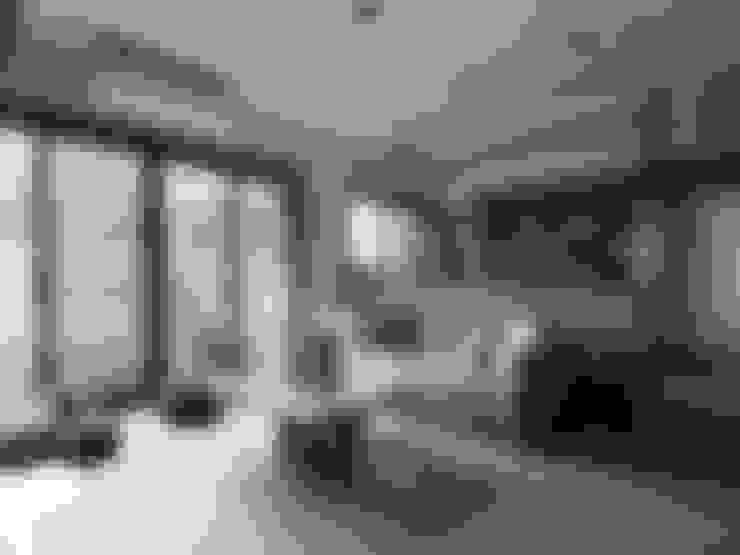 山曦:  客廳 by 築青室內裝修有限公司