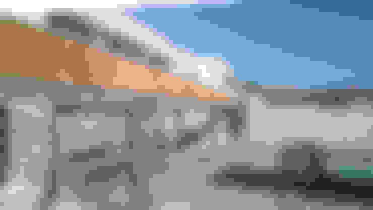 TERRAZA MEDITERRANEA: Casas de estilo  por Piscinas Espectaculares