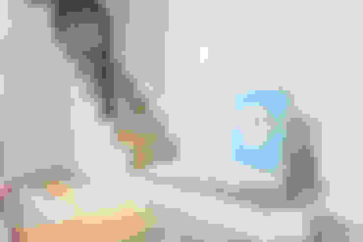 士林黃公館:  樓梯 by VH INTERIOR DESIGN