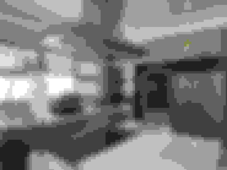 Kitchen:  Kitchen by Dessiner Interior Architectural