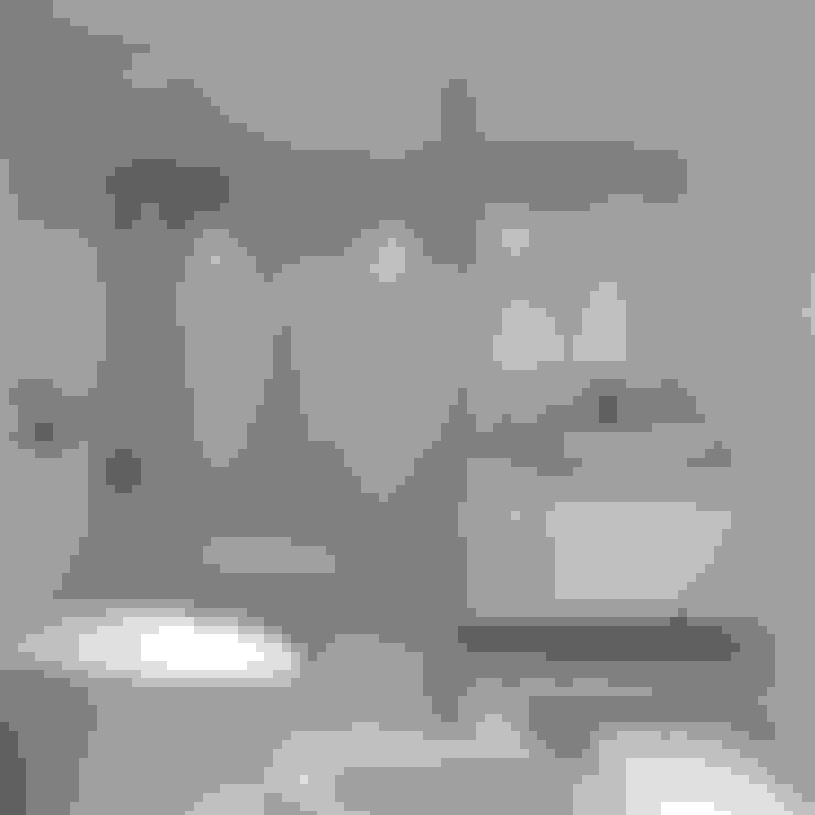 Bathroom by PT. Dekorasi Hunian Indonesia (DHI)